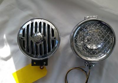 QK 5.25 size comparison against a horn